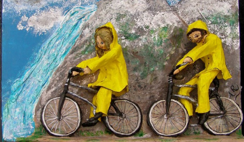 Commission Papier Mache cycling in Hawaii