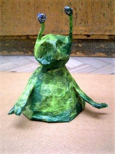 papier mache alien