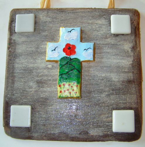 A thoughtful poppy bereavement gift to show sympathy